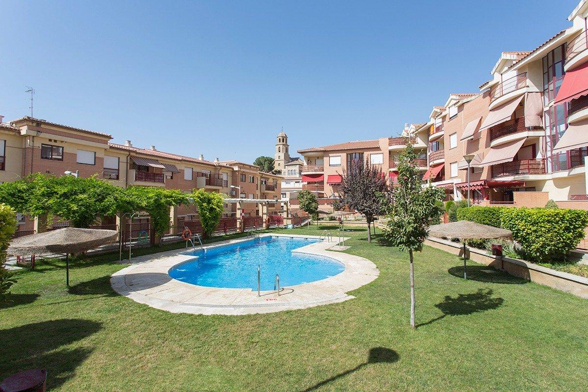 Piso Alhendín, piscina, garaje., Granada