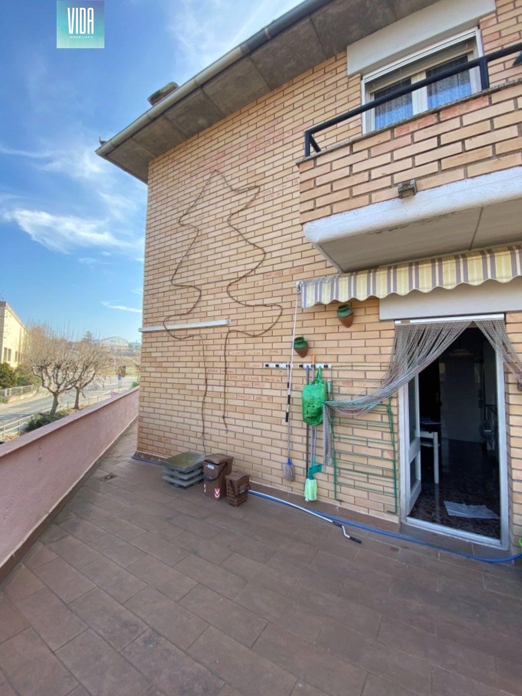 Espectacular casa esquinera en venta, 3 plantas