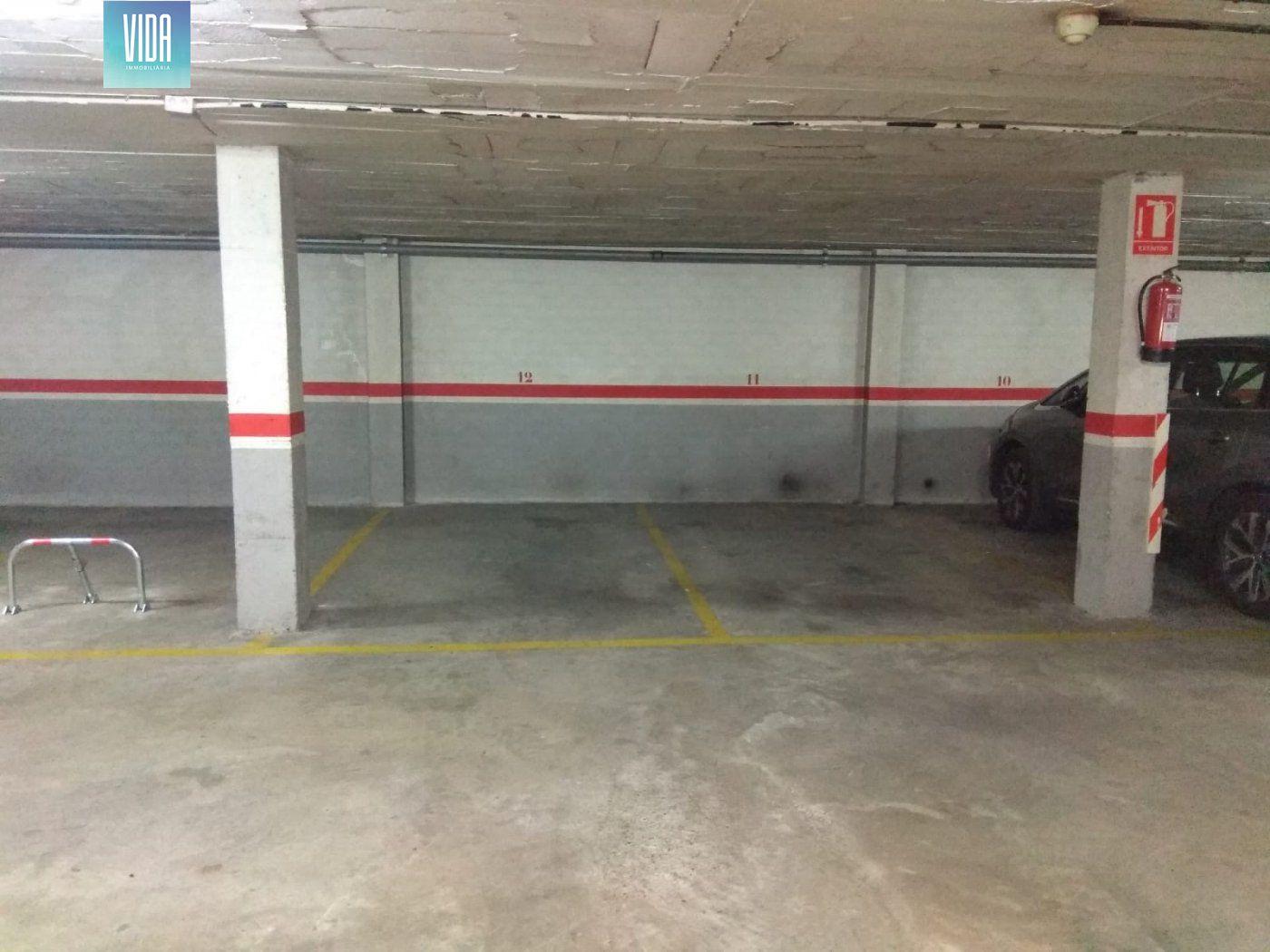 Gran oportunidad, amplia plaza de parking, con posibilidad de tener dos juntas