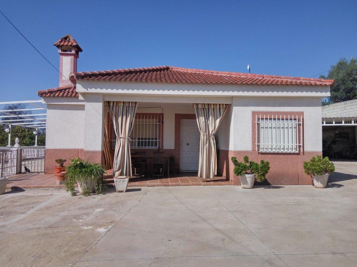 casa-con-terreno en cordoba · carrerra-del-caballo 165000€