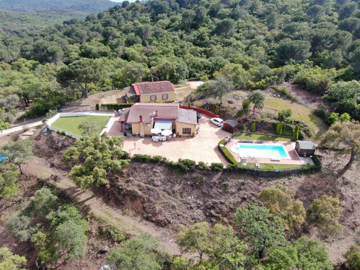 casa-con-terreno en cordoba · trassierra 230000€