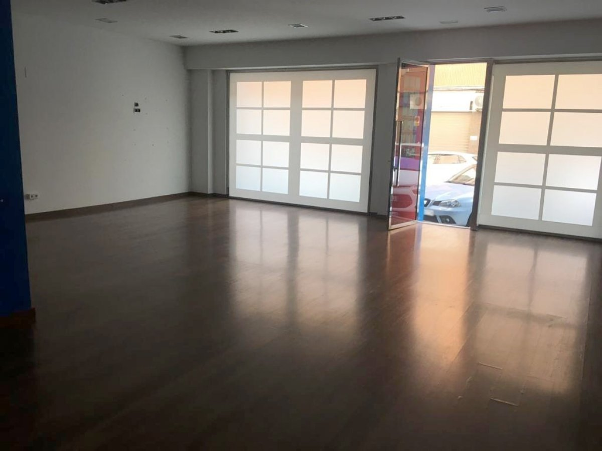 local-comercial en xativa · a-march 400€