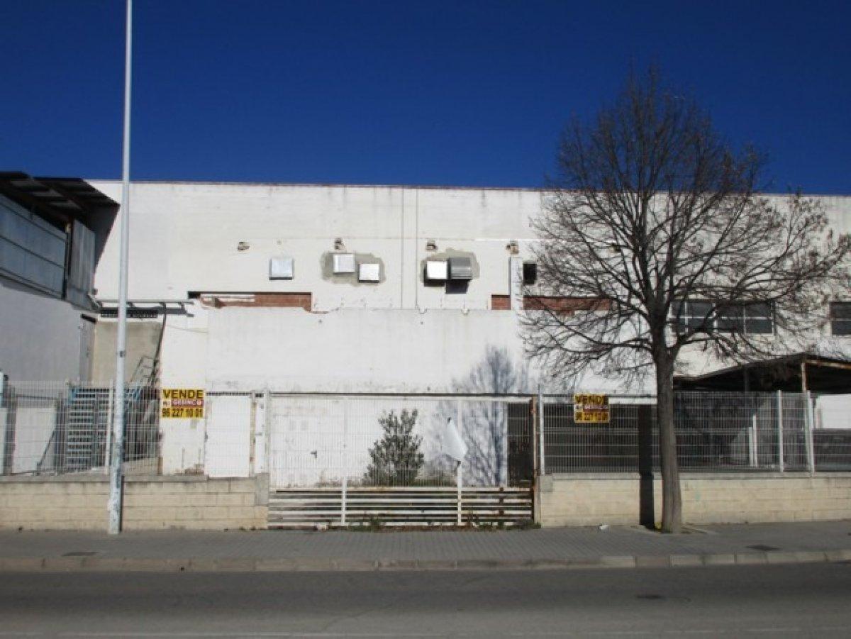 nave-industrial en xativa · otras 220000€