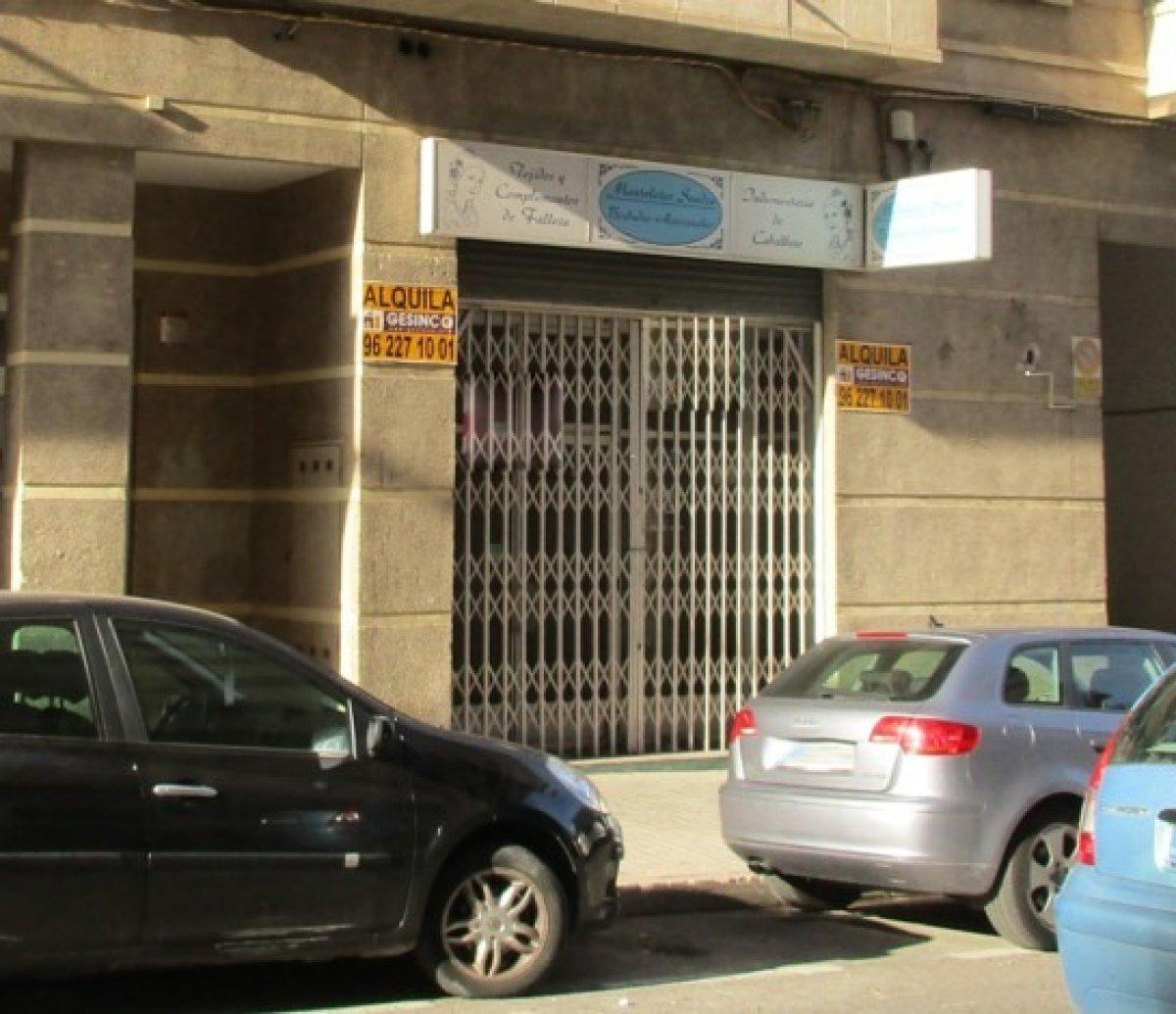 local-comercial en xativa · pza-pais-valenciano 700€