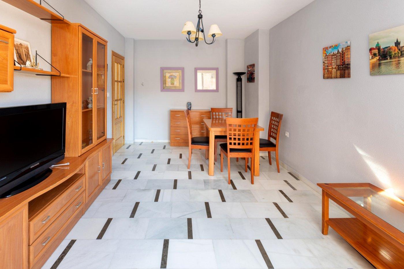 Bonito piso a pie de metro en armilla, con 3 dormitorios, ascensor y plaza de garaje¡¡