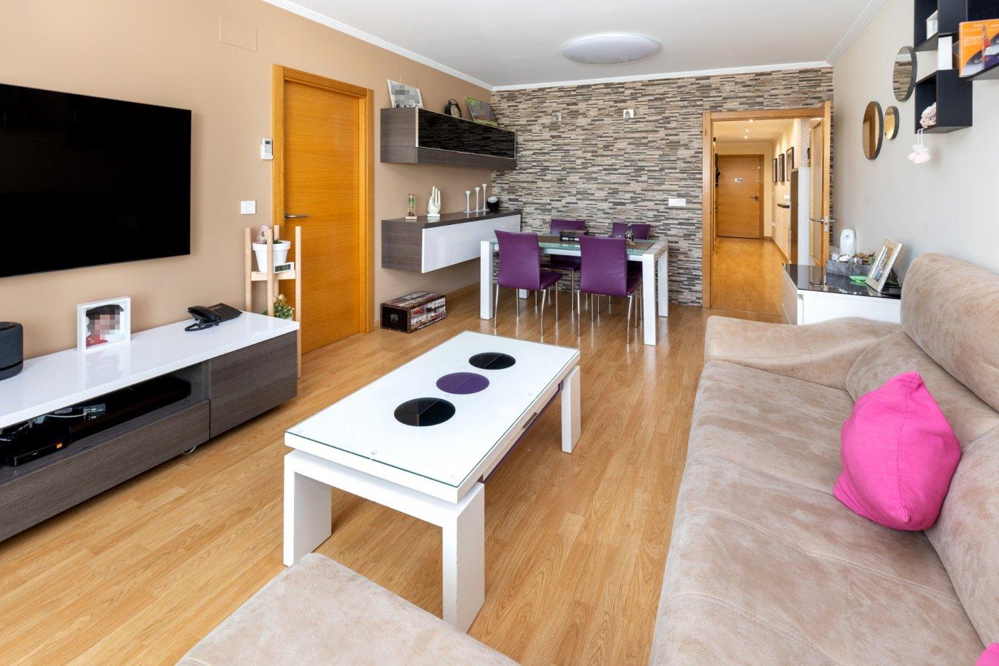 Pisazo  listo para entrar a vivir con garaje y trastero y diseño moderno en churriana¡¡