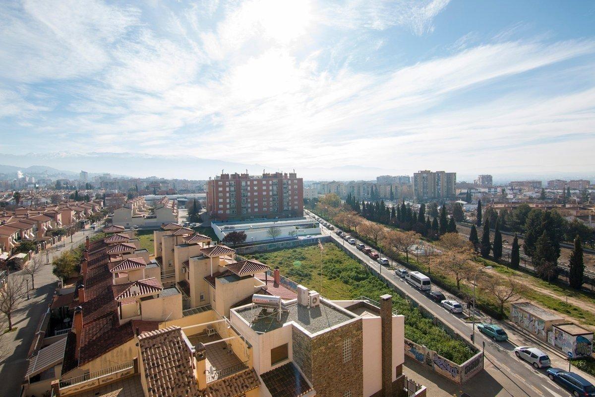 ¿ESTÁS BUSCANDO UN ATICO DONDE SENTIRTE COMOD@ Y DISFRUTAR DE UNAS VISTAS INMEJORABLES?, Granada