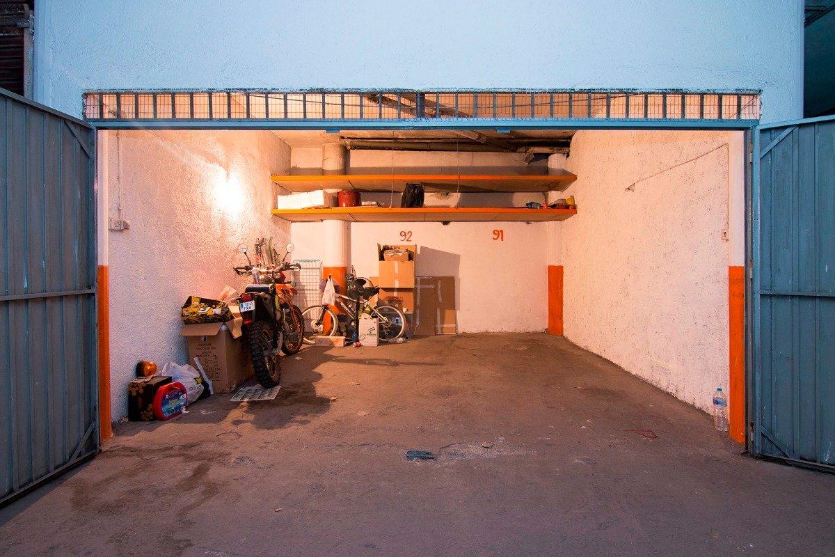 ¿Cansado de dar vueltas con el coche y no encontrar aparcamiento?., Granada