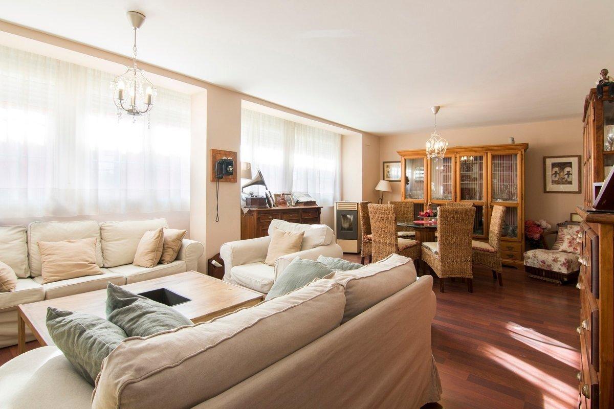 Espectacular piso en el centro – Granada
