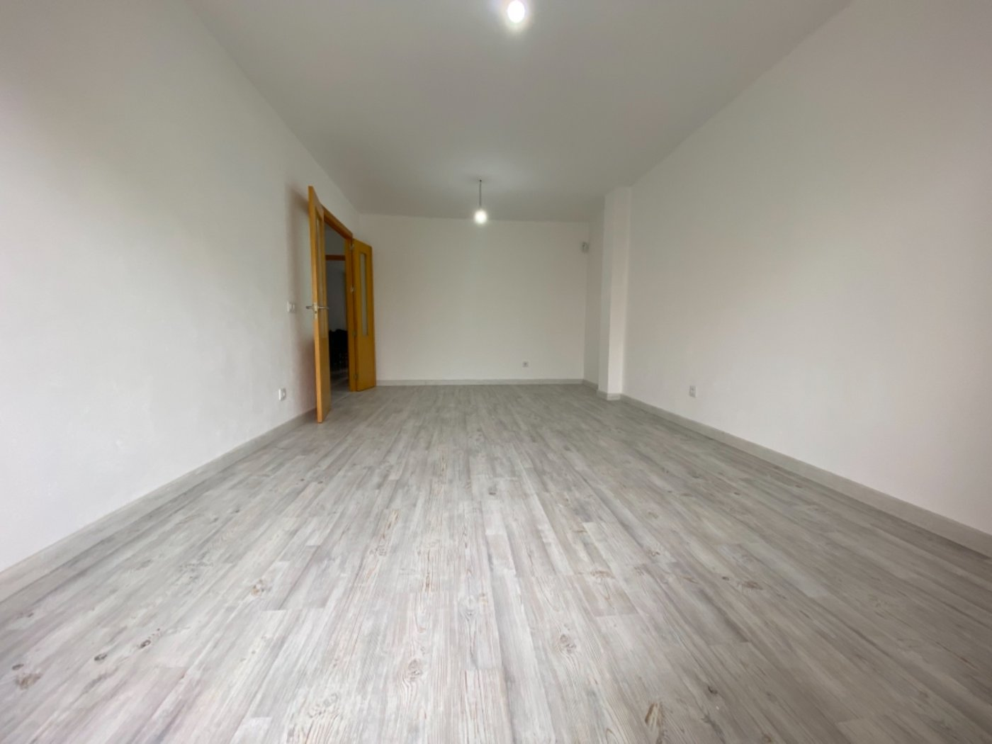 Amplio tercer piso en inca. general luque. - imagenInmueble1