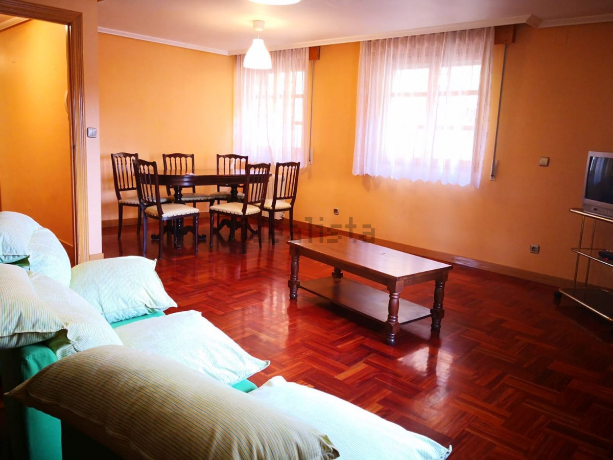 Flat for rent in Casco antiguo, Burgos