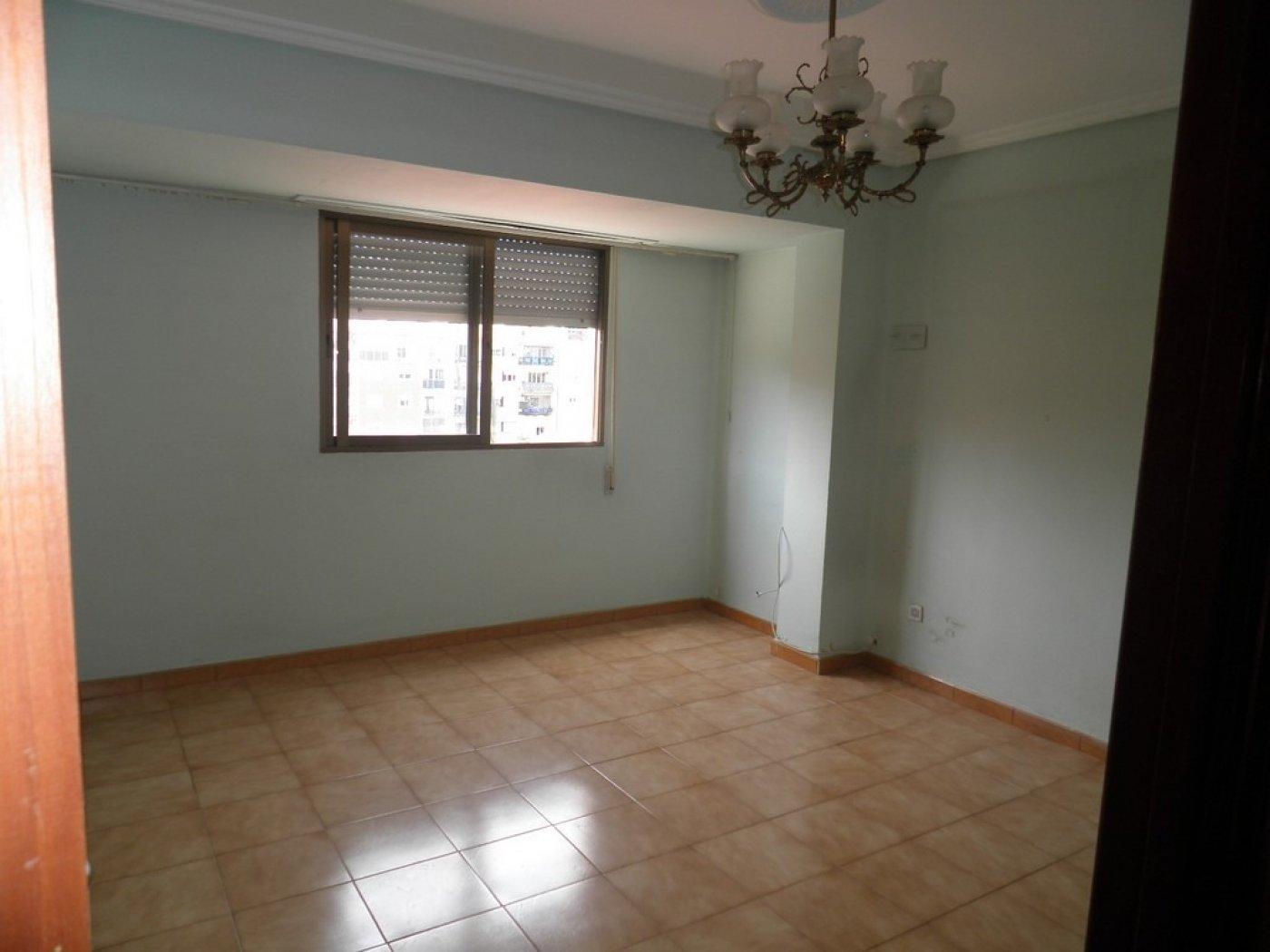 Oportunidad de vivienda reformada en finca con ascensor  y garaje incluido - imagenInmueble10