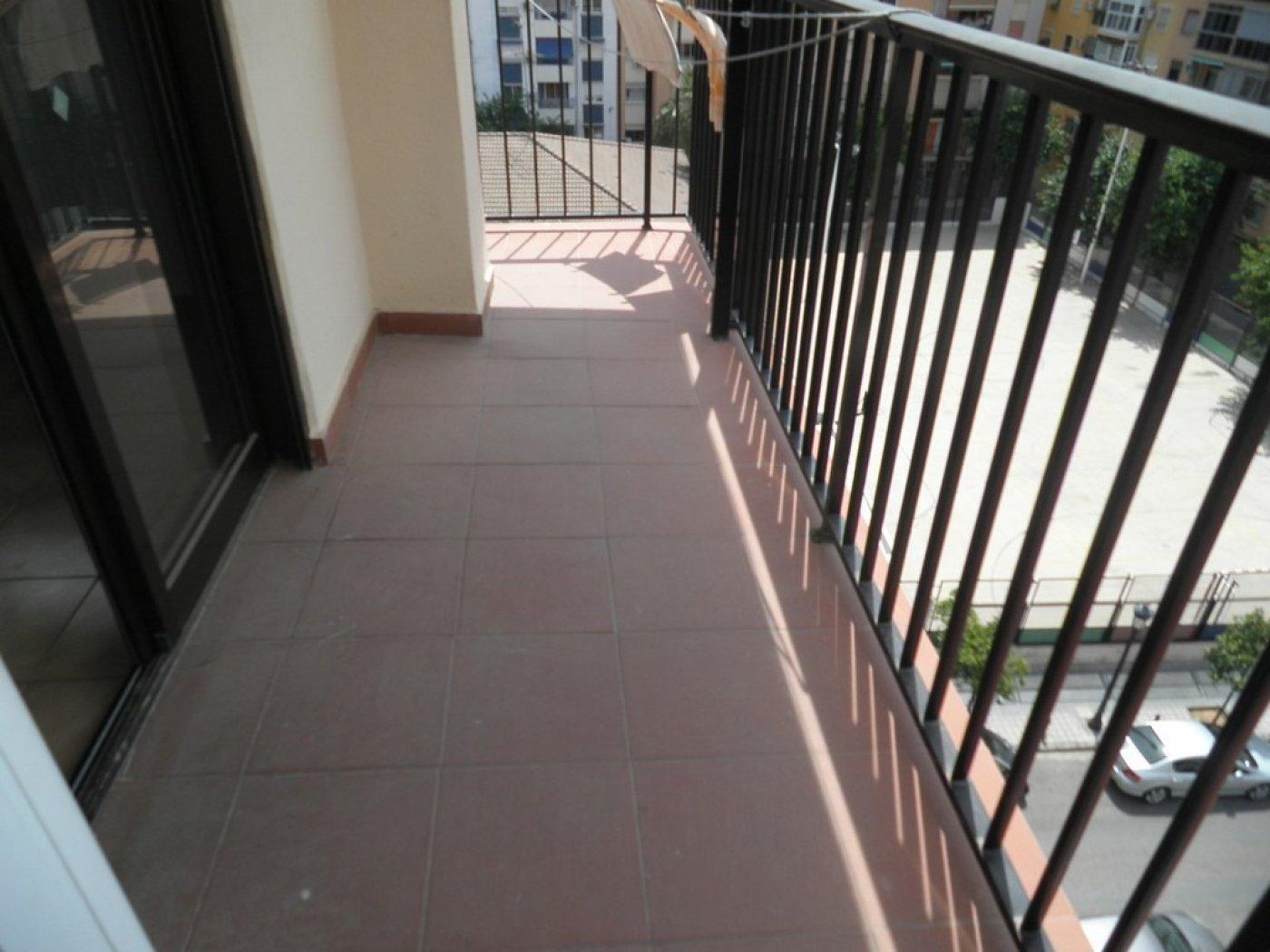 Oportunidad de vivienda reformada en finca con ascensor  y garaje incluido - imagenInmueble13