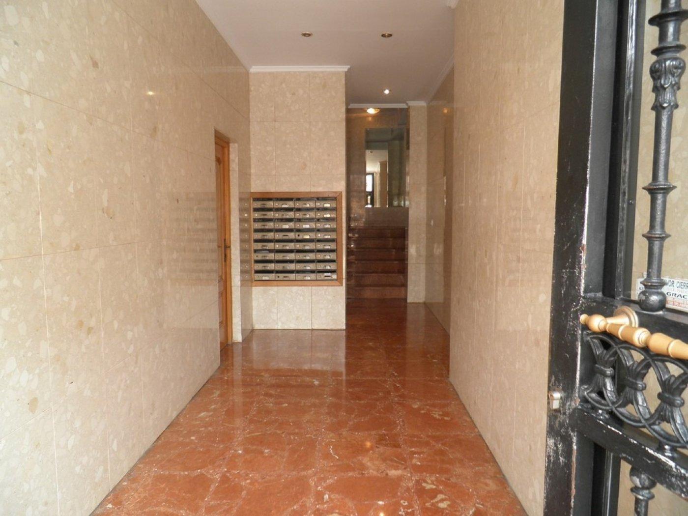 Oportunidad de vivienda reformada en finca con ascensor  y garaje incluido - imagenInmueble15