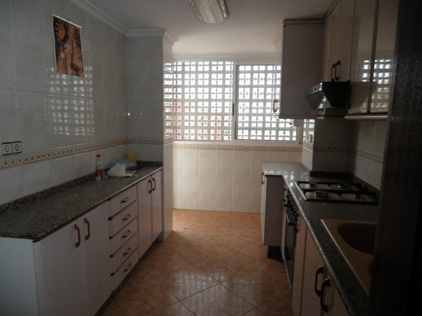 Oportunidad de vivienda reformada en finca con ascensor  y garaje incluido - imagenInmueble2