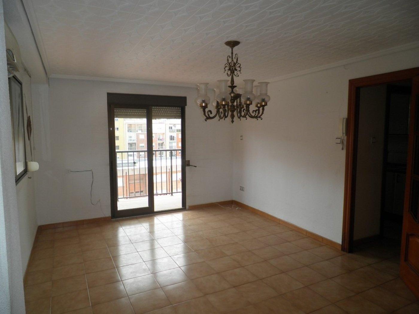 Oportunidad de vivienda reformada en finca con ascensor  y garaje incluido - imagenInmueble4