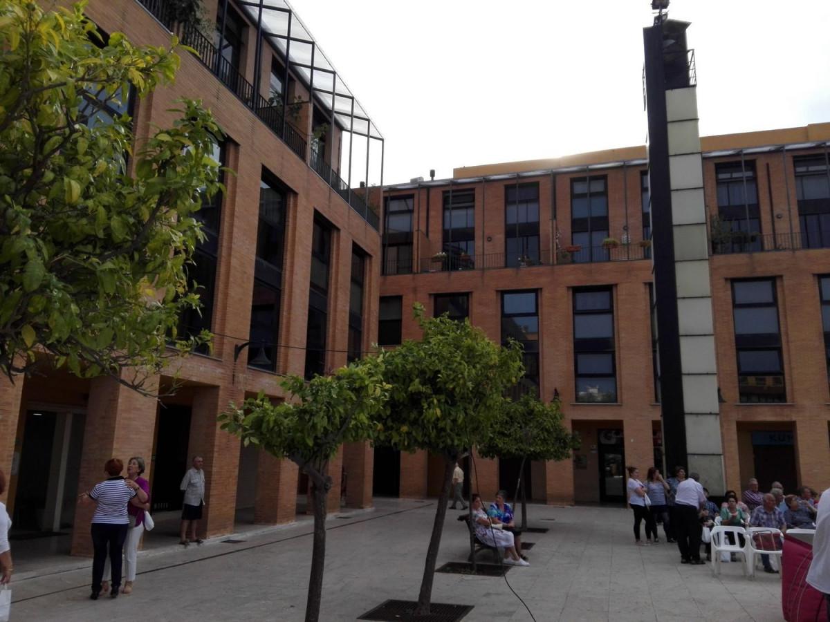 Espectacular vivienda de diseÑo junto al ayuntamiento de catarroja - imagenInmueble24