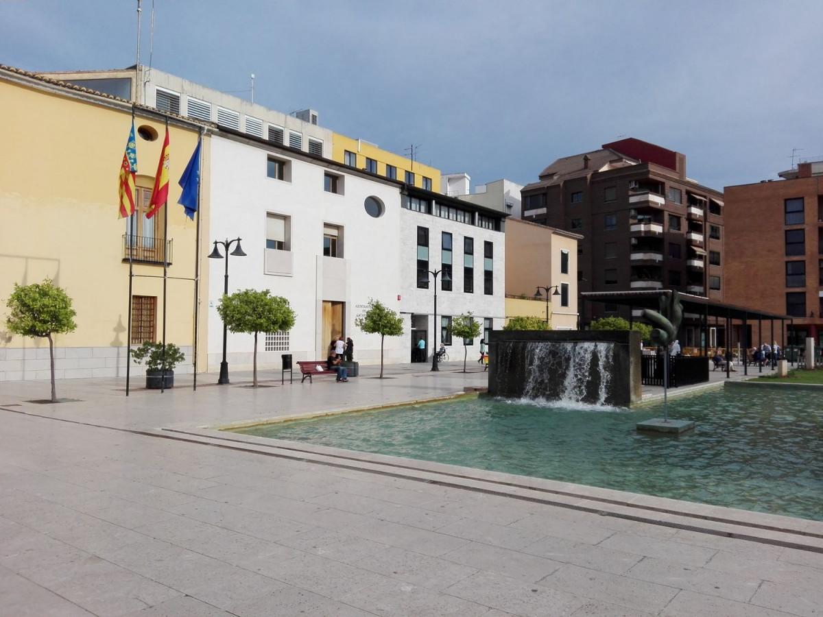 Espectacular vivienda de diseÑo junto al ayuntamiento de catarroja - imagenInmueble25
