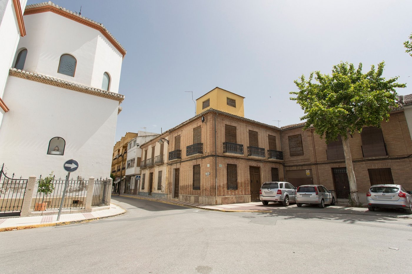 Casa señorial en plaza de la iglesia – Chauchina