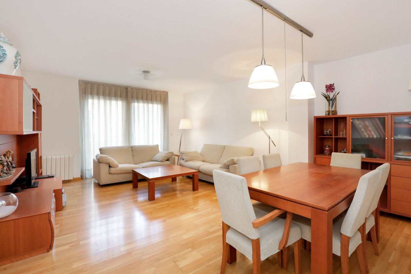 Extraordinario piso de lujo en perfecto estado en pleno centro, a pocos pasos de San Anton, Granada