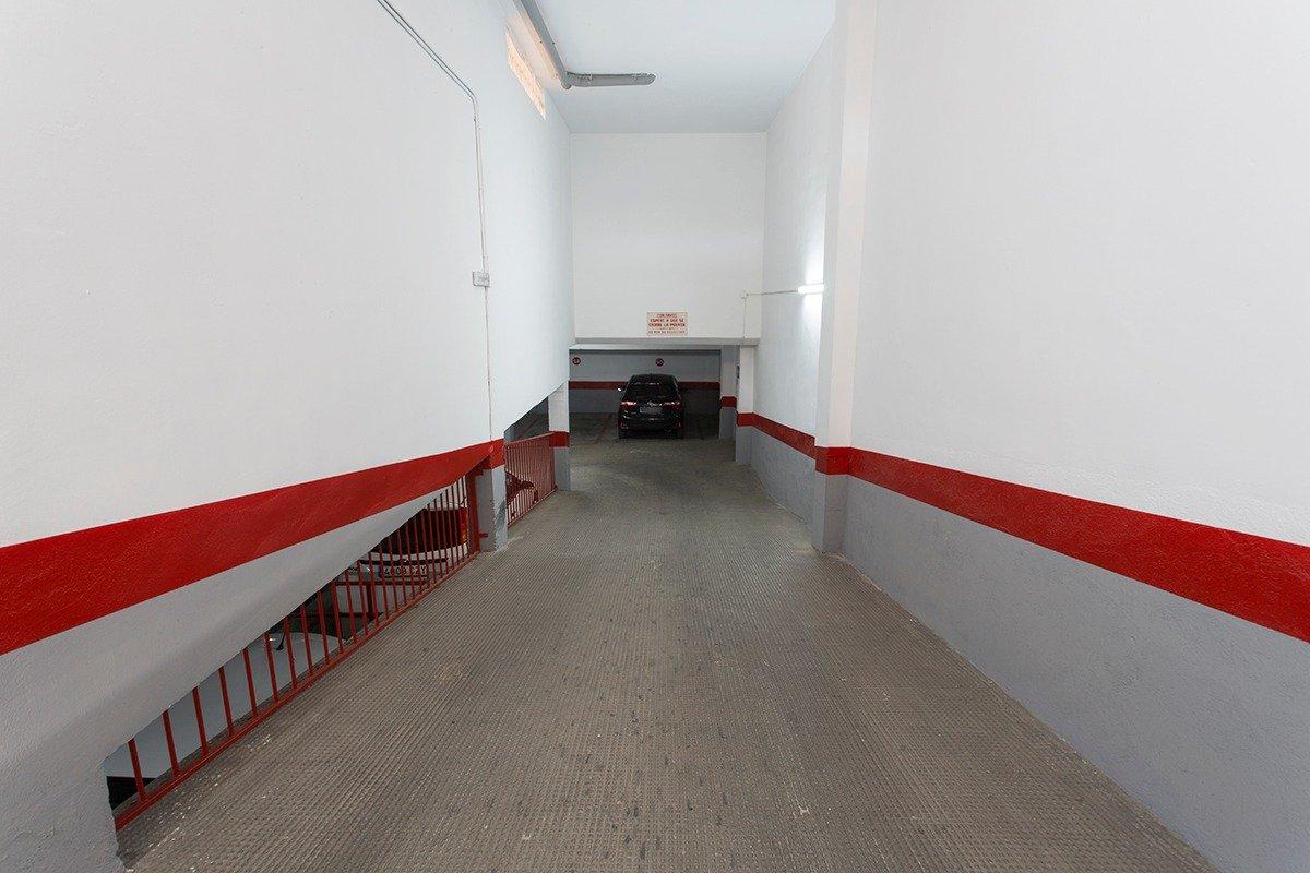 Fantástica plaza de garaje en Palacio de Deportes., Granada
