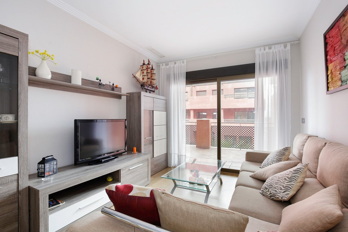 Extraordinario apartamento junto al Campo de Golf de Los Moriscos en Motril. Perfecto estado, casi p, Granada