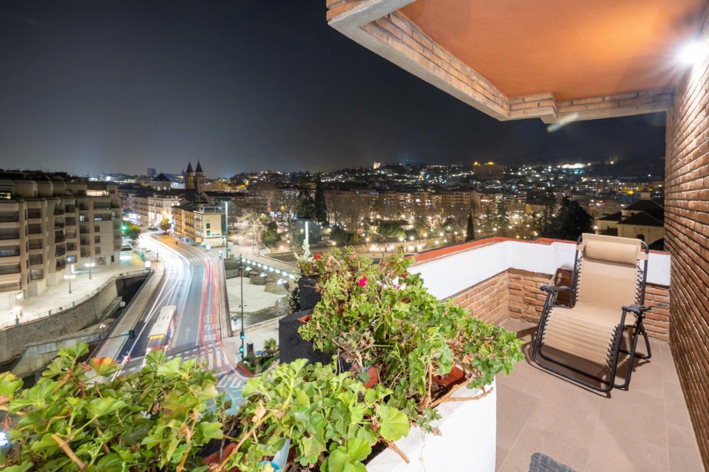 Espectacular piso reformado con vistas panorámicas a Granada, garaje doble y trastero., Granada
