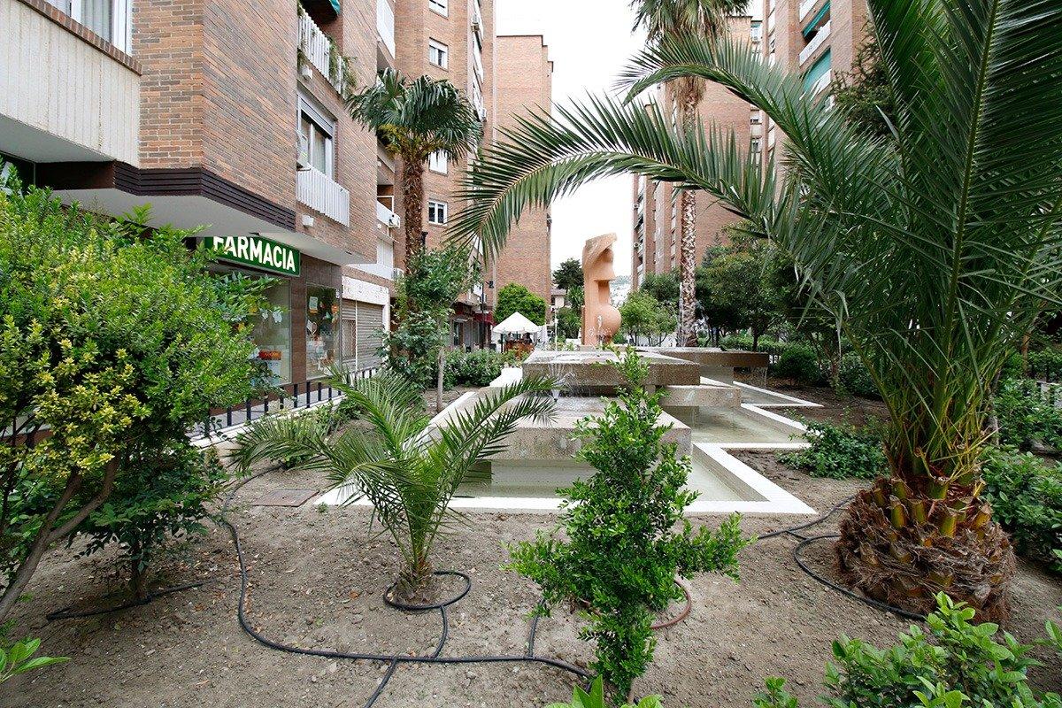 Magnifico piso para reformar en Urbanización Alminares del Genil de 172 m2 de supeficie., Granada