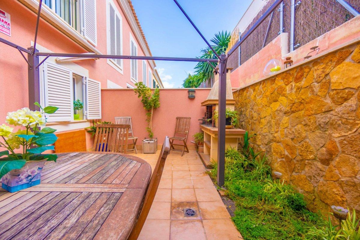 En venta precioso chalet adosado con terraza y garaje en zona colegios (son rapinya). - imagenInmueble24