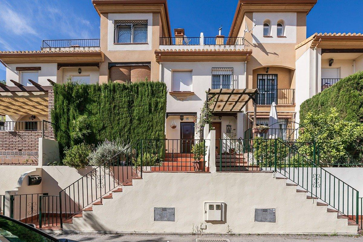 Unifamiliar en Barrio de Monachil, Granada