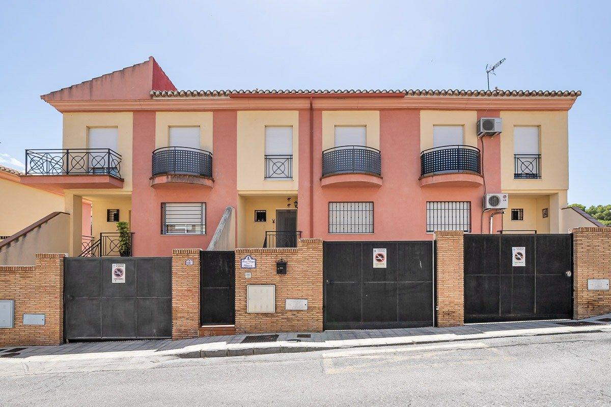 Casa adosada en el Barrio de Monachil, Granada