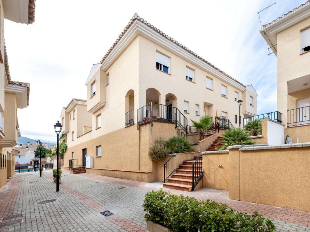 Casa adosada en el Barrio de Monachil