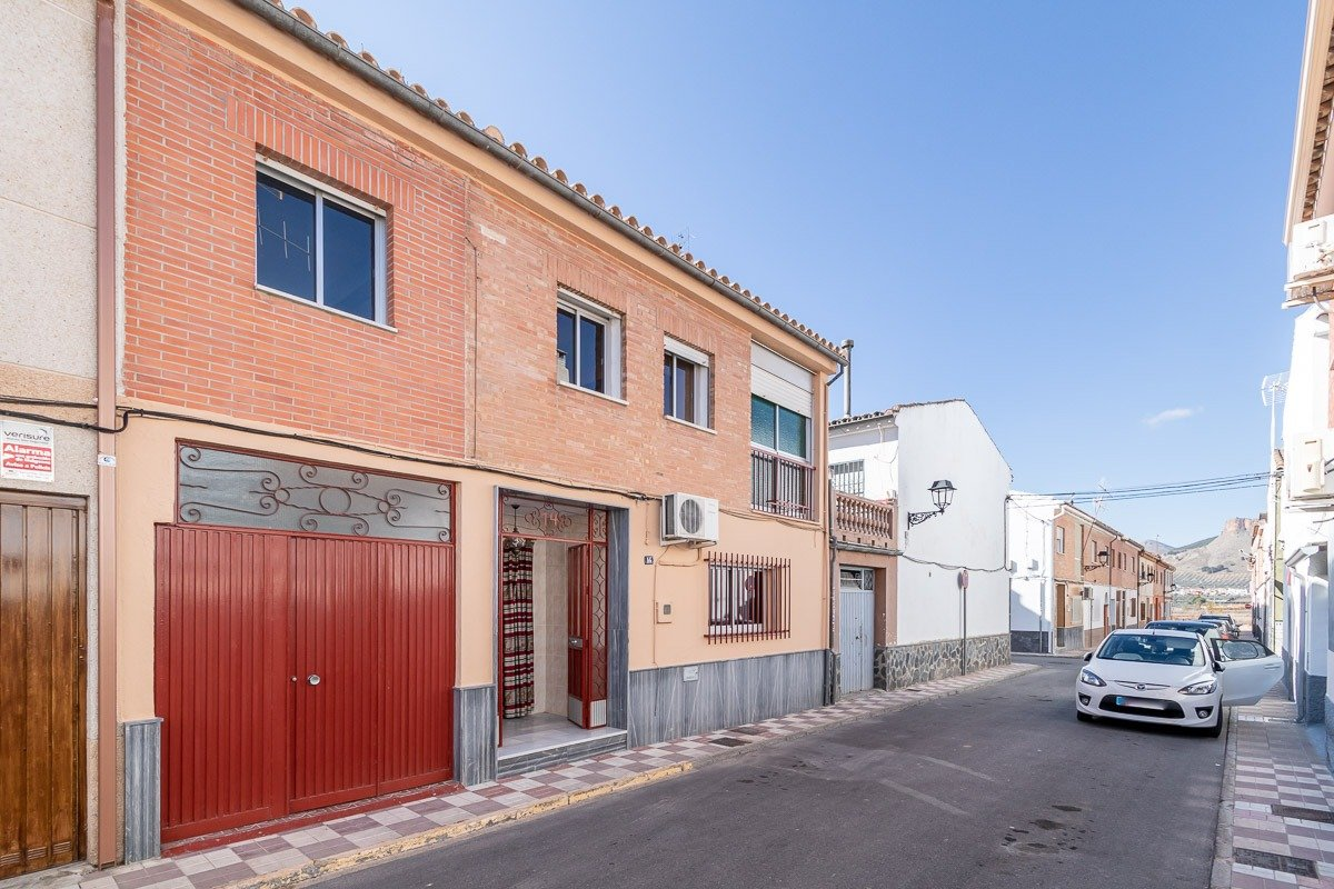 Casa en Albolote - junto  instituto, Granada