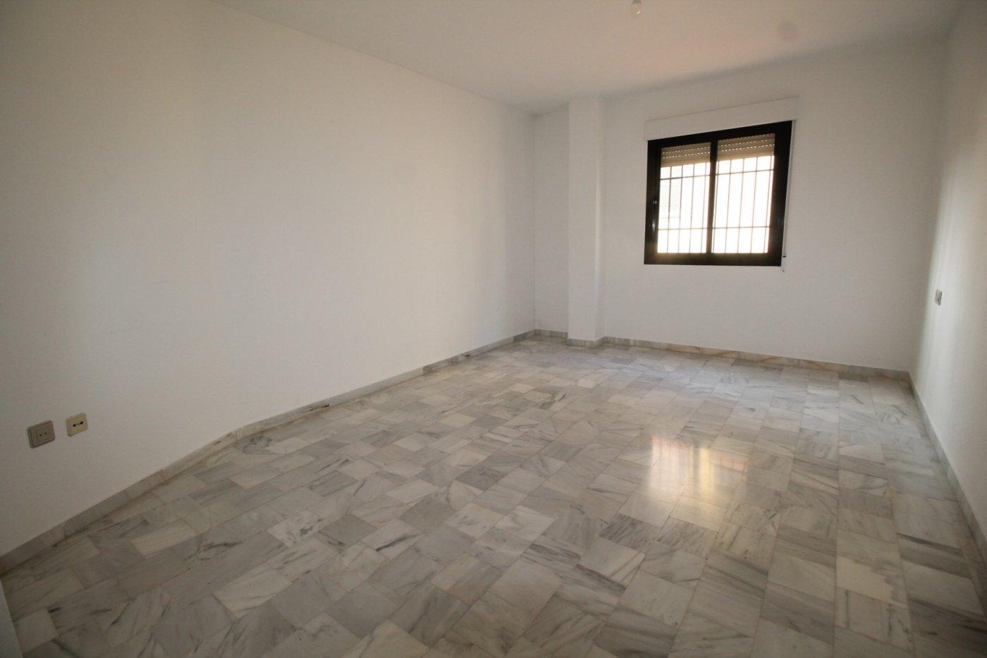 alquiler piso avda Andalucia en Huetor Vega