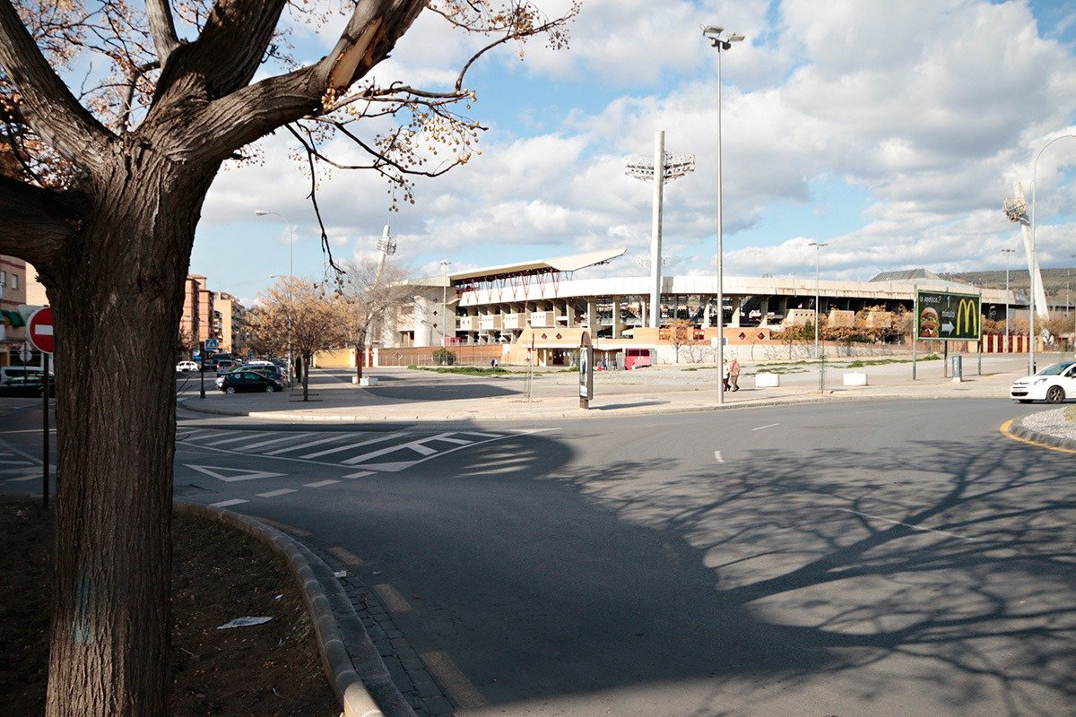 Piso de dos dormitorios y garaje ( cerca PTS y Estadio de Futbol).