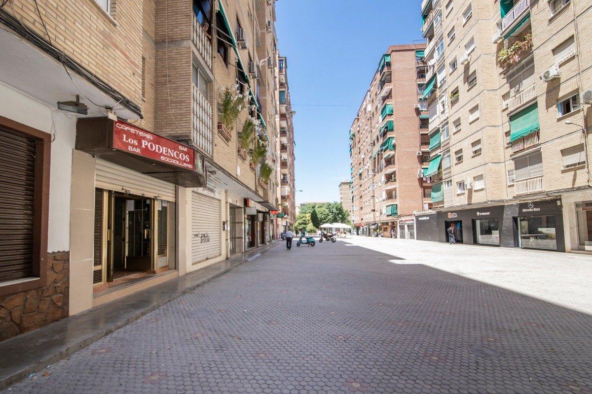 ¡Bar totalmente instalado para tener tu propio negocio! PARA INMEDIATA APERTURA, Granada