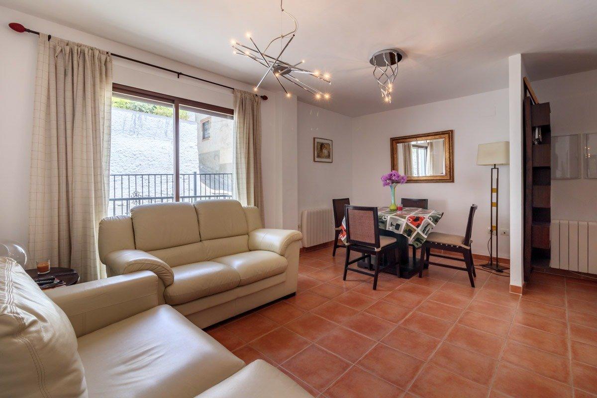 Piso totalmente amueblado de 1 dormitorio en Monachil pueblo, Granada