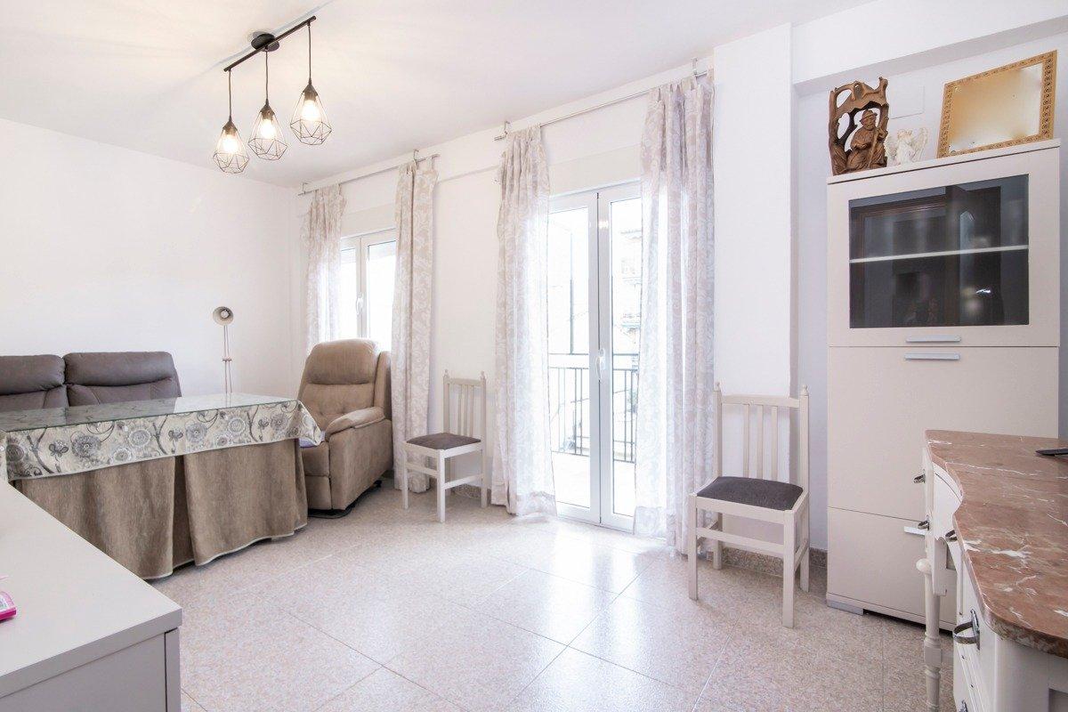 ¡Piso en 3ª planta listo para entrar a vivir en el Zaidin!, Granada