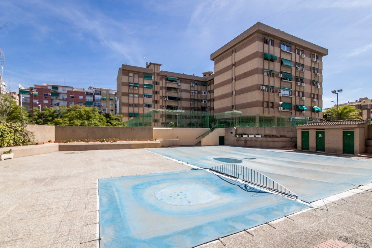 Oportunidad de vivir junto C.C Neptuno, Granada