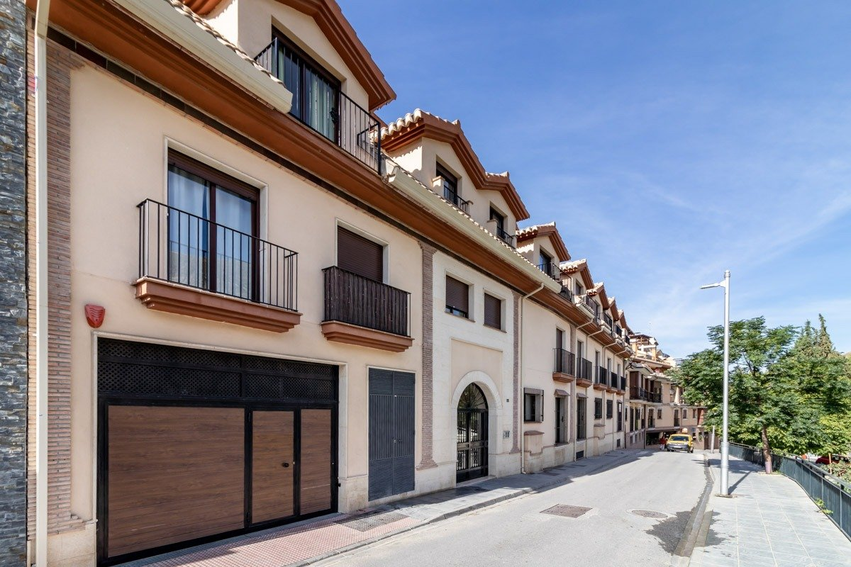 Apartamento de 1 dormitorio en el pueblo de Monachil, Granada