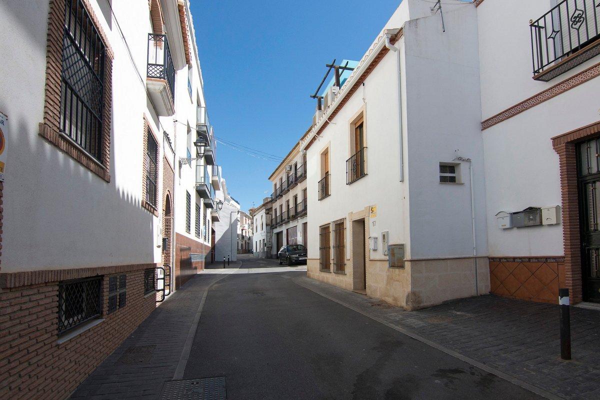 Casa en la entrada de Cájar - Zona  Colegio Lux Mundi