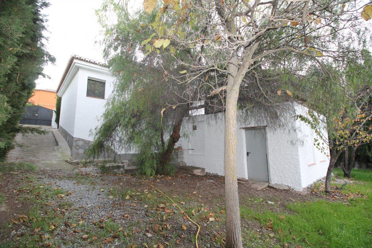 Chalet independiente con 5oo m2 de parcela en Urb. Los Girasoles de Otura