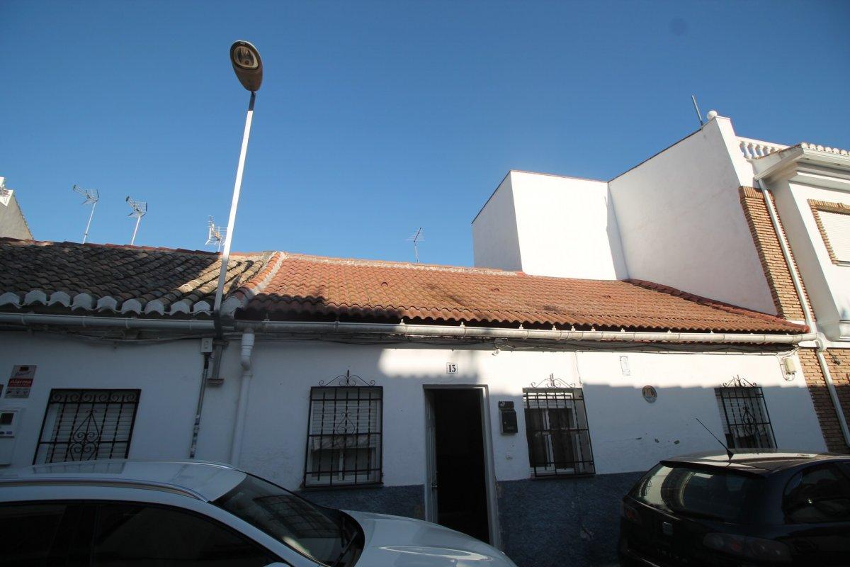 Solar de 148 m2 junto biblioteca pública del Zaidin