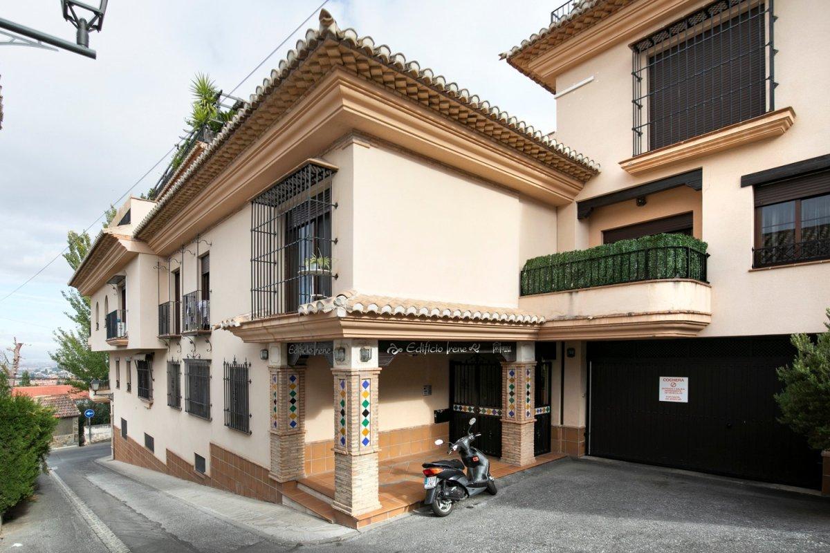 Piso en Ed. Irene - Barrio de Monachil