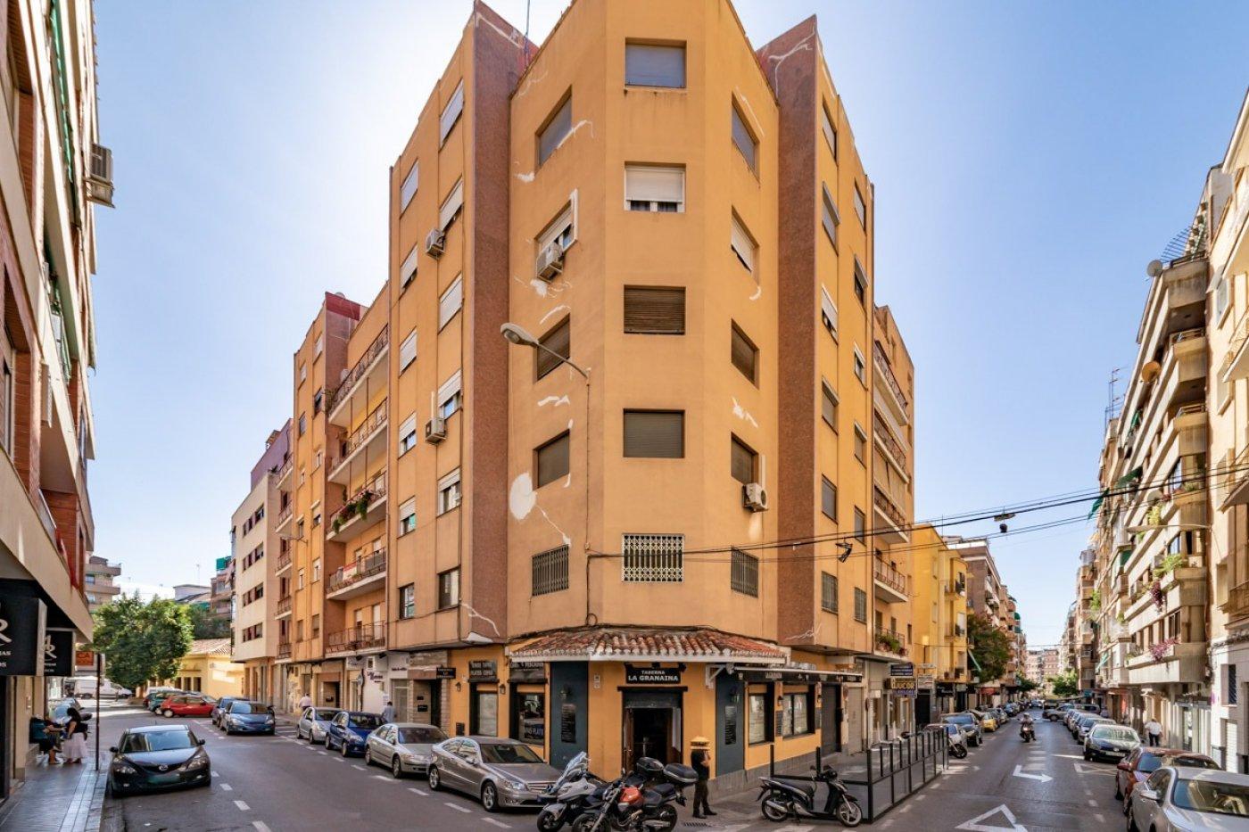 Gran piso en el centro de Granada!
