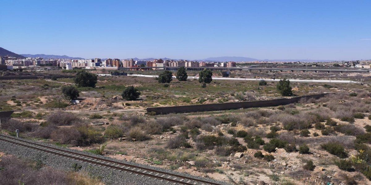 urban-plot en cartagena · los-mateos 145000€