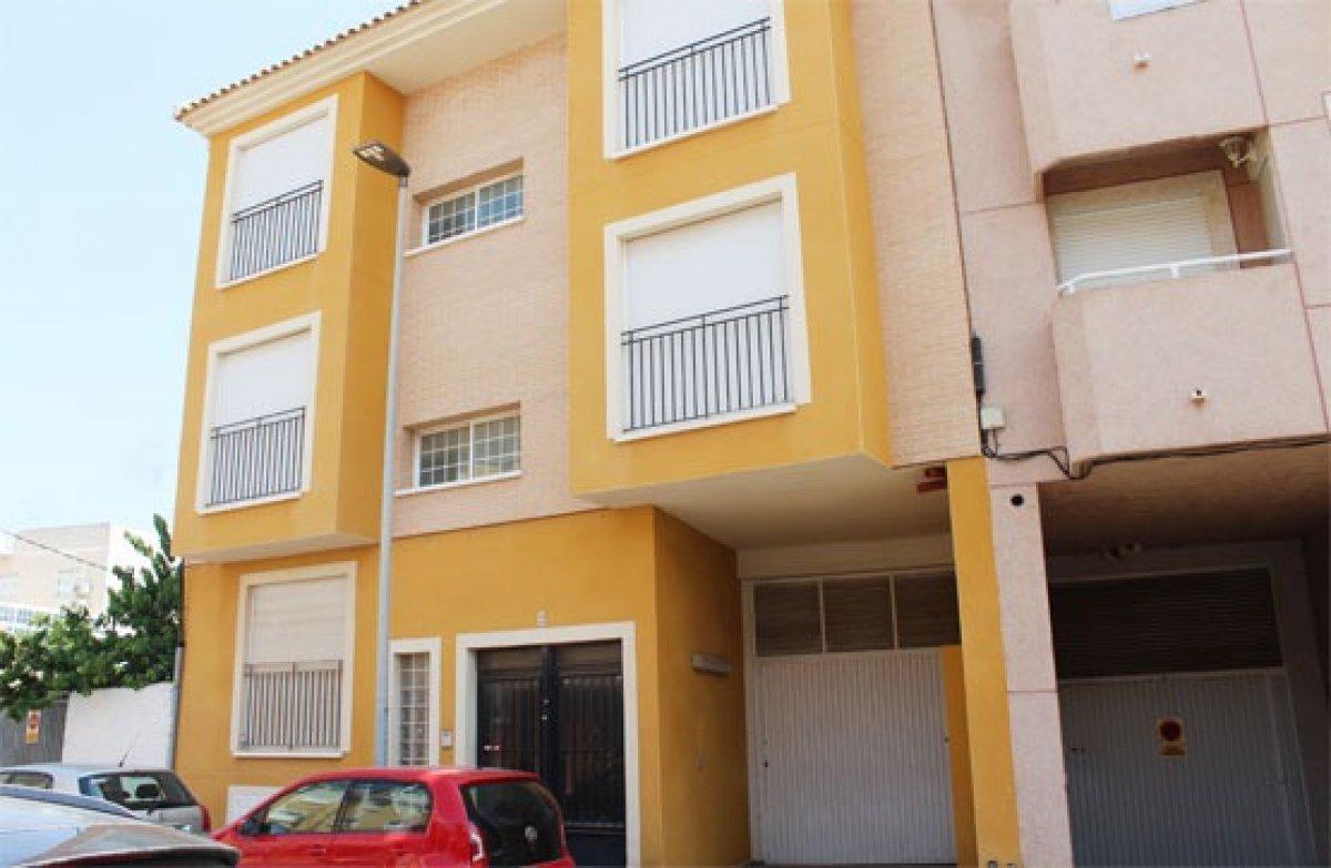flat en los-alcazares · los-narejos 77200€