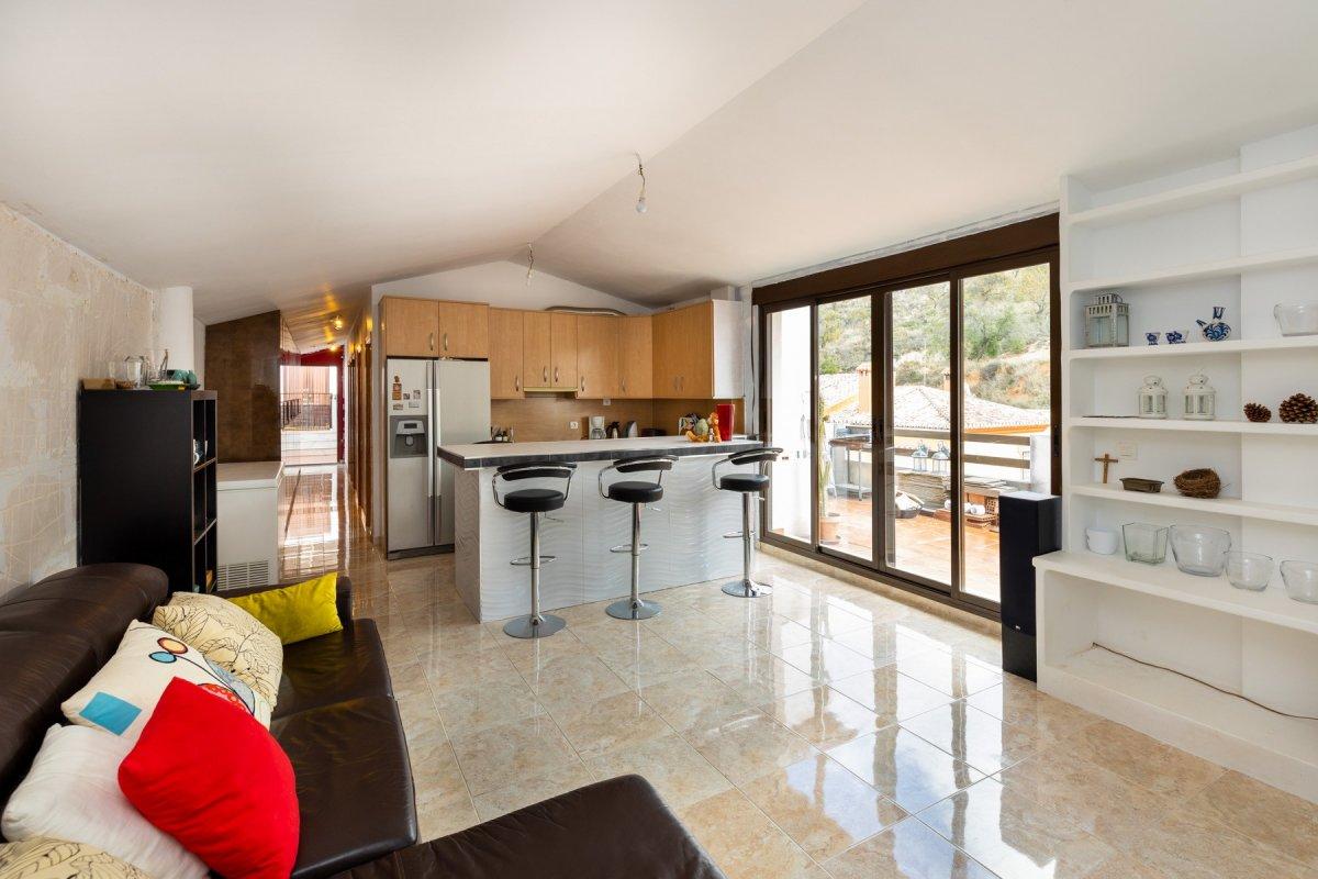 Ático en Urbanización con zonas comunes y piscina, 109 m2, 3 habitaciones,  un baño, terraza,, Granada