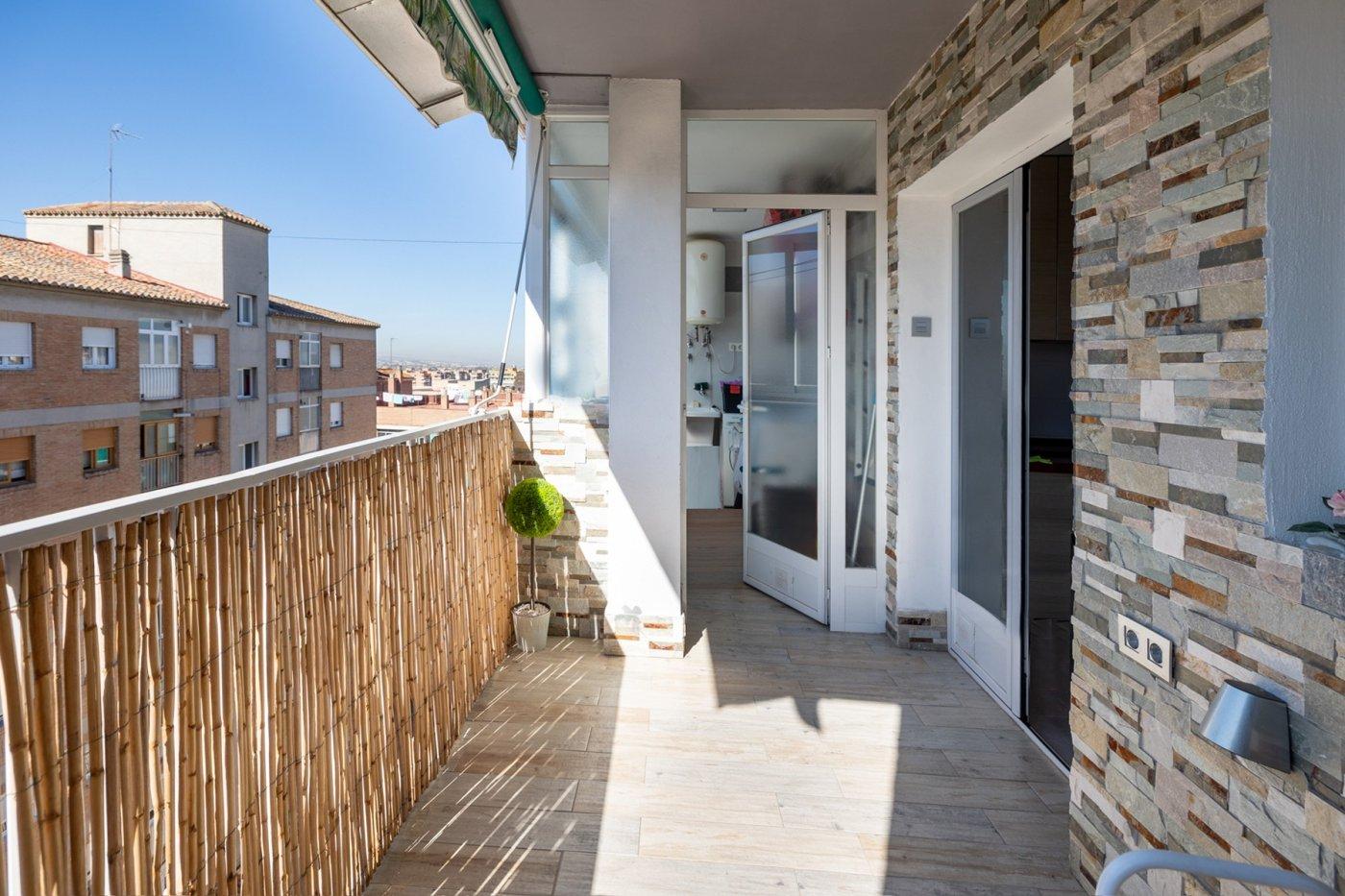 Avenida cadiz, piso en ultima planta con 3 dormitorios, un cuarto de baño.  balcon terraza