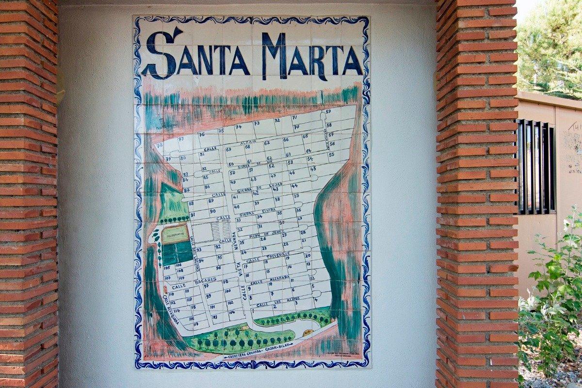 Urbanizacion Santa Marta en Gojar. Parcela de terrero edificable. Superficie de 503 para construir s, Granada
